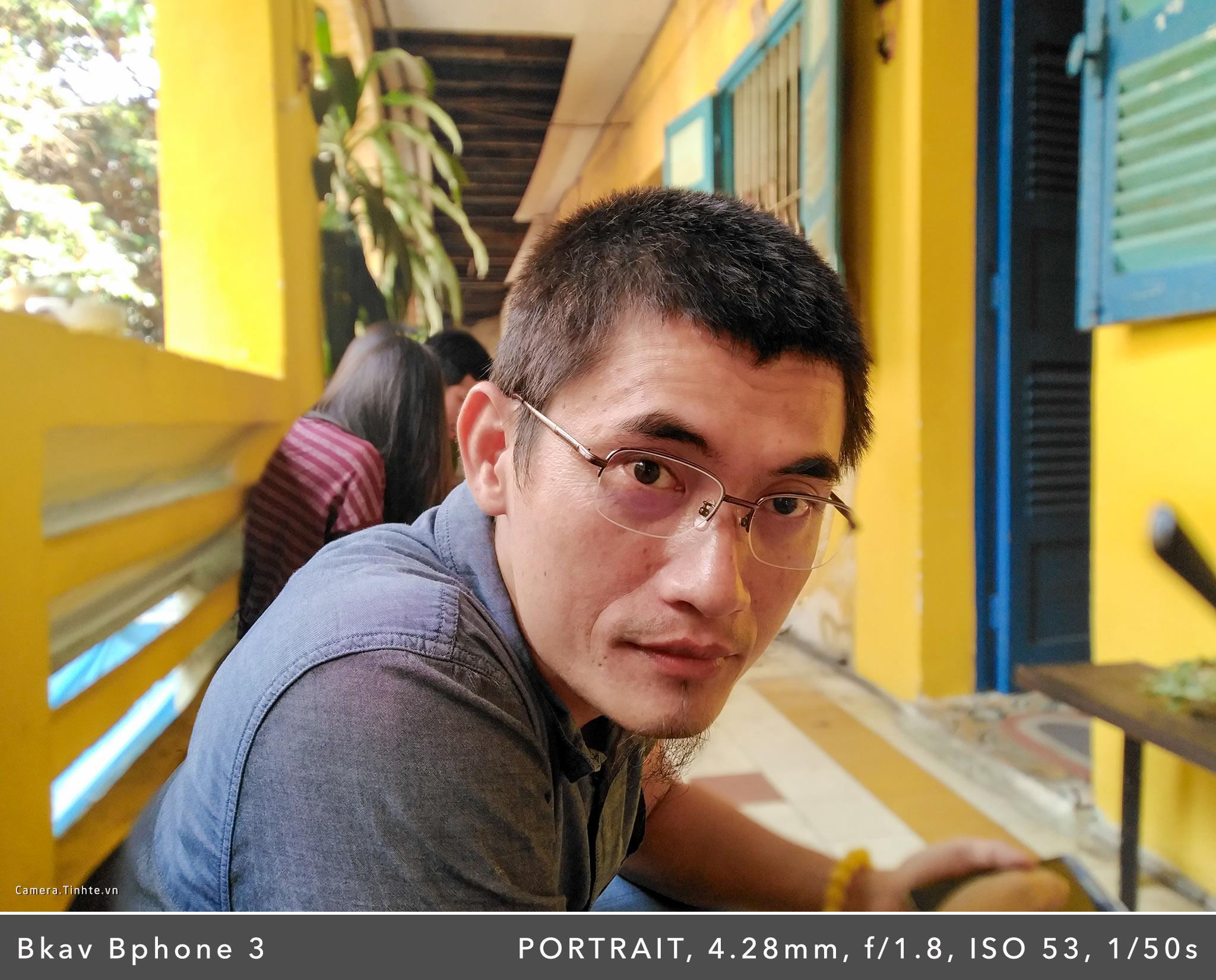 Camera.Tinhte.vn_Bphone-3_PORTRAIT_IMG_20181010_090610.jpg