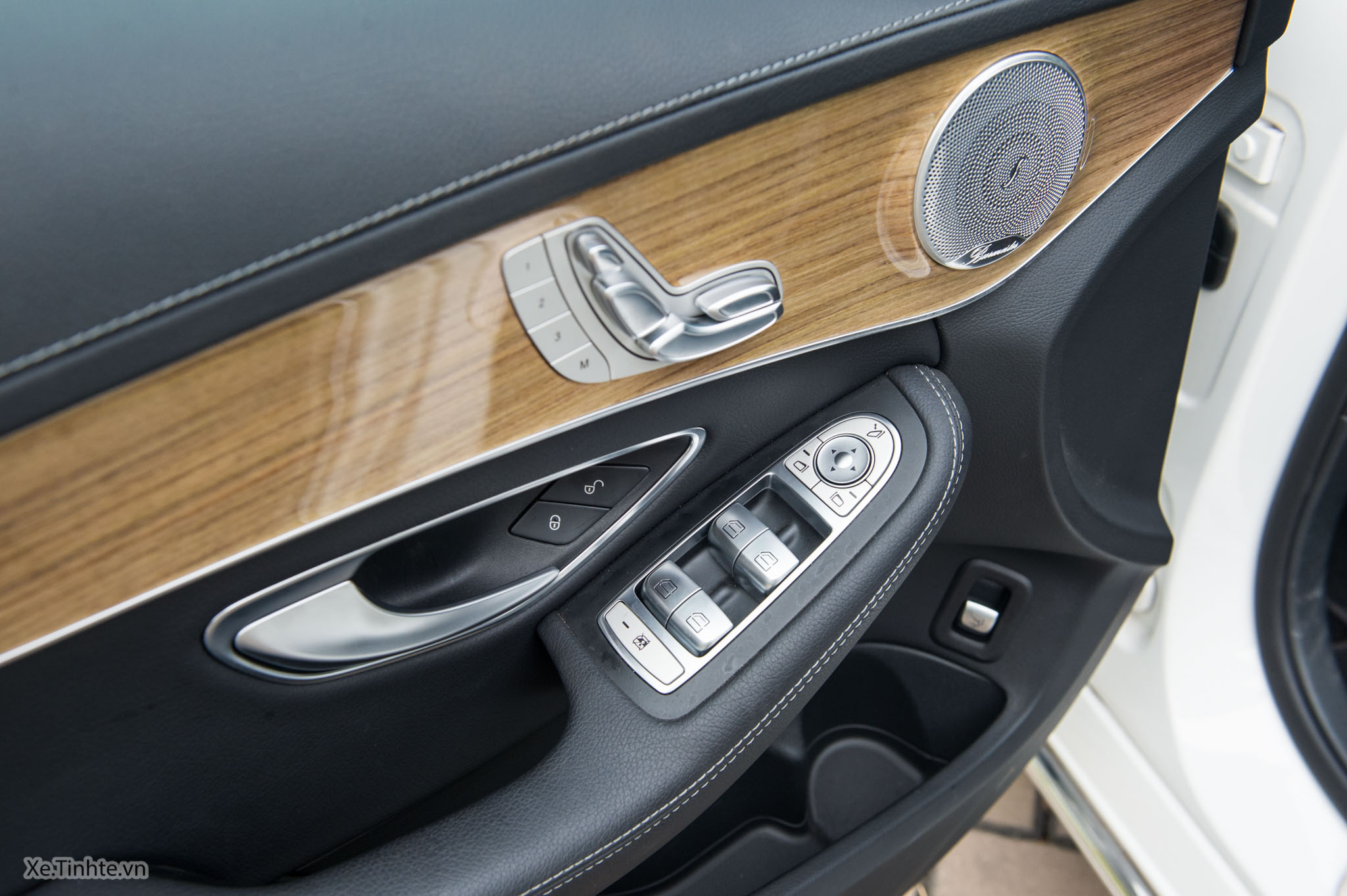 Mercedes_C250 Exclusive_Xe.tinhte.vn-7247.jpg