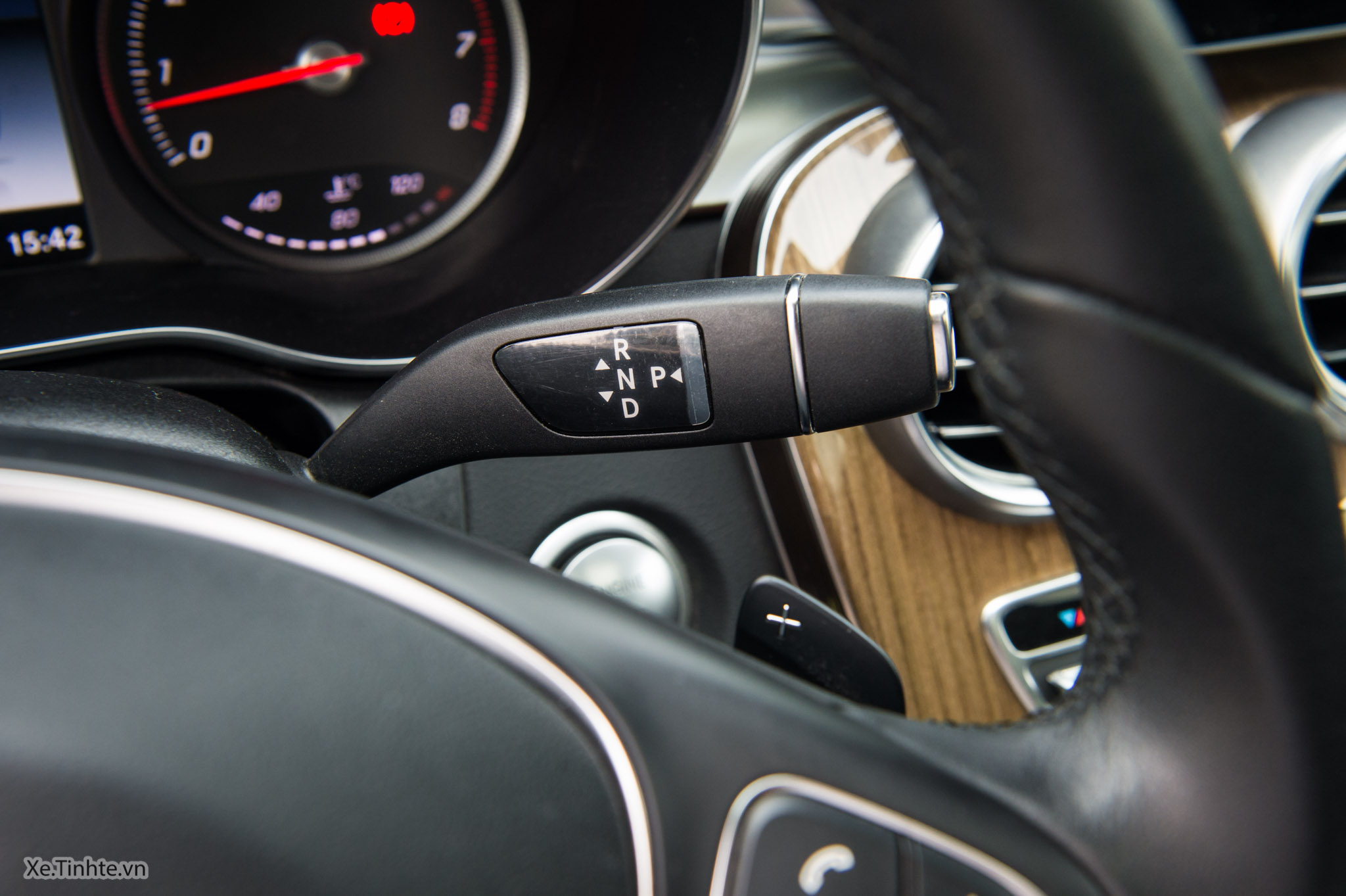 Mercedes_C250 Exclusive_Xe.tinhte.vn-7260.jpg