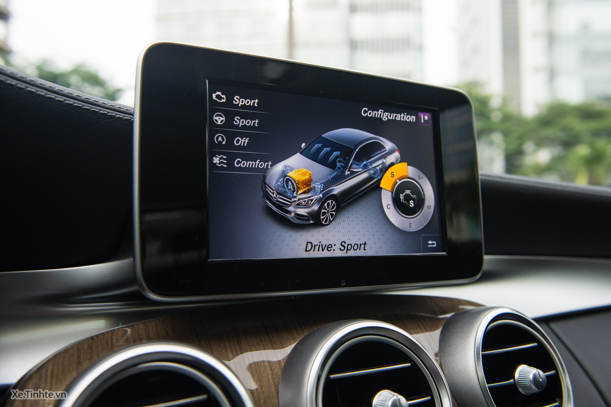Mercedes_C250 Exclusive_Xe.tinhte.vn-7272.jpg