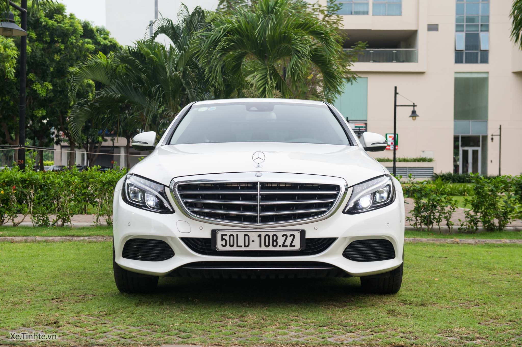 Mercedes_C250 Exclusive_Xe.tinhte.vn-7292.jpg