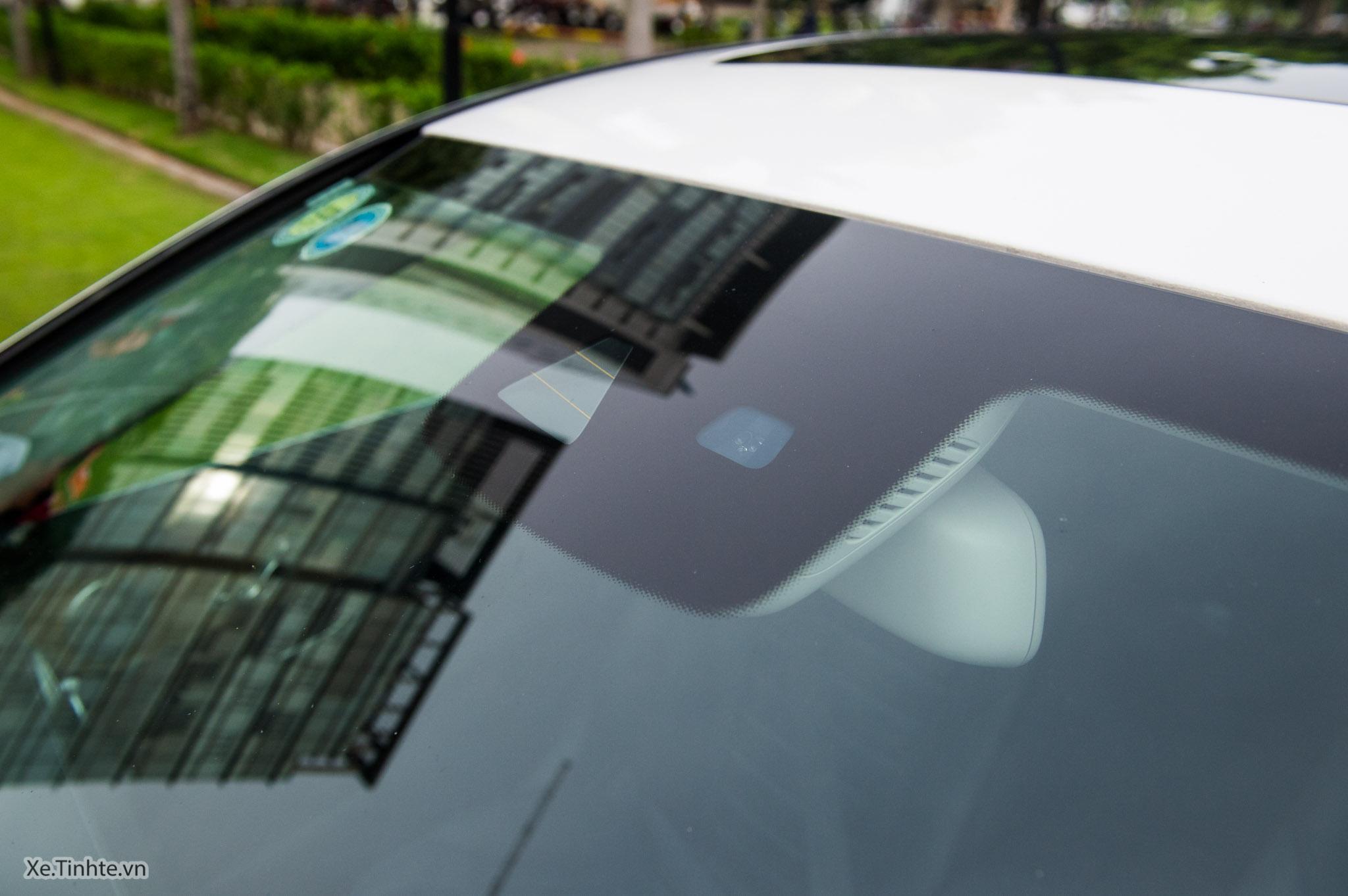 Mercedes_C250 Exclusive_Xe.tinhte.vn-7293.jpg