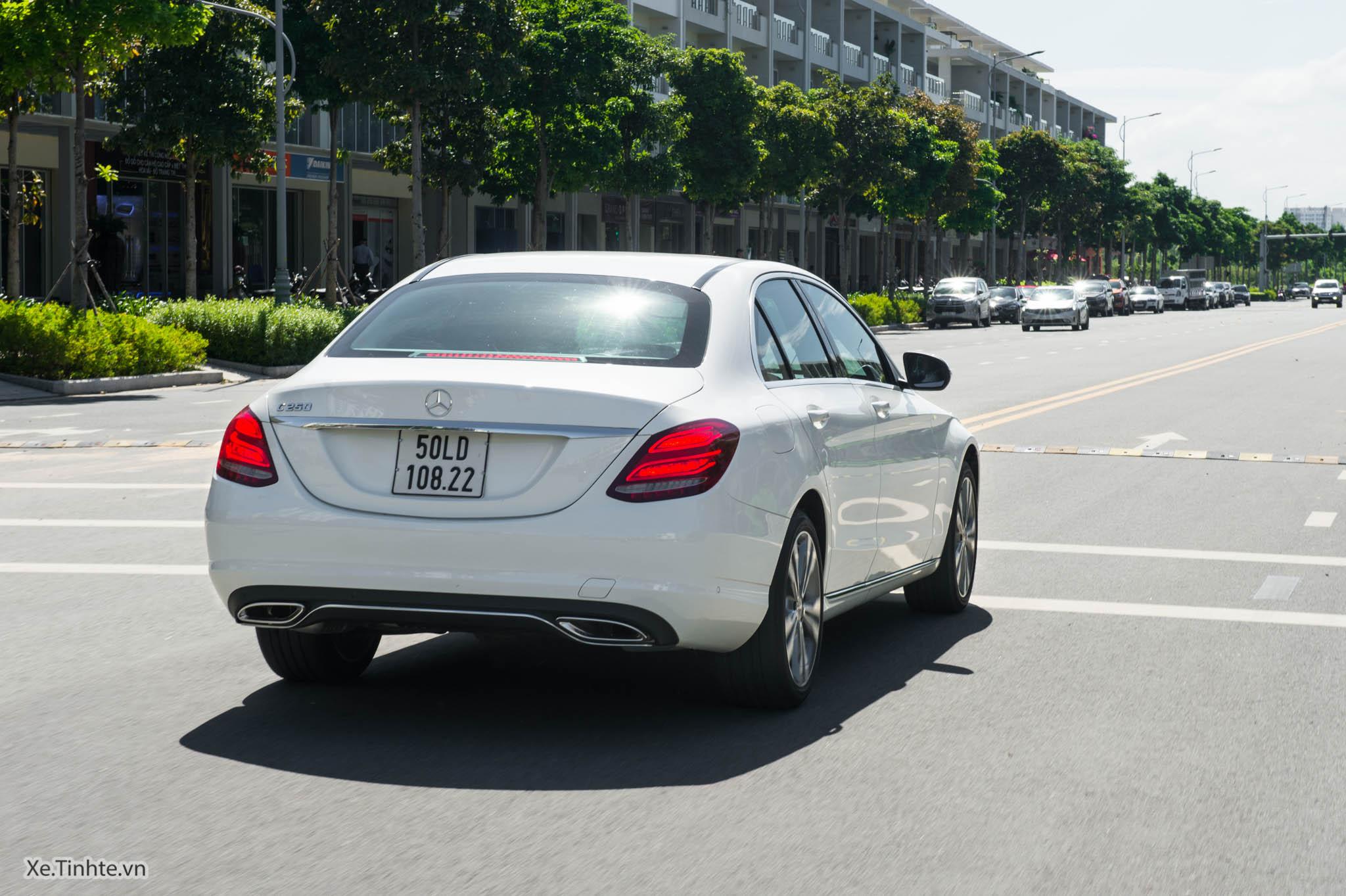 Mercedes_C250 Exclusive_Xe.tinhte.vn-7453.jpg