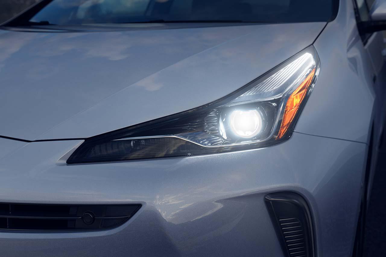 Toyota_Prius_2019_tinhte_9.jpg