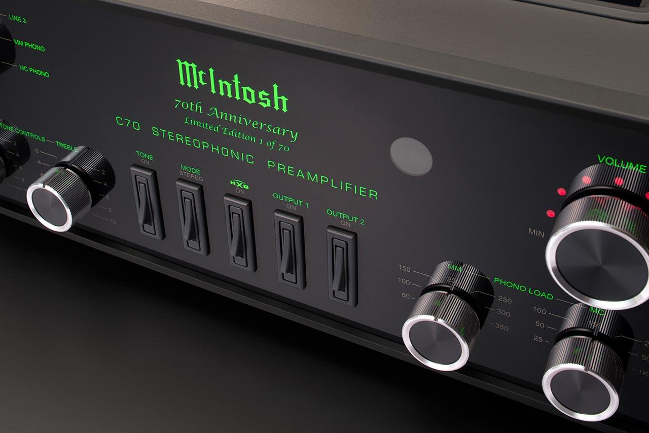 tinhte-mcintosh-MC2152-C70-limited-edition-1 (1).jpg