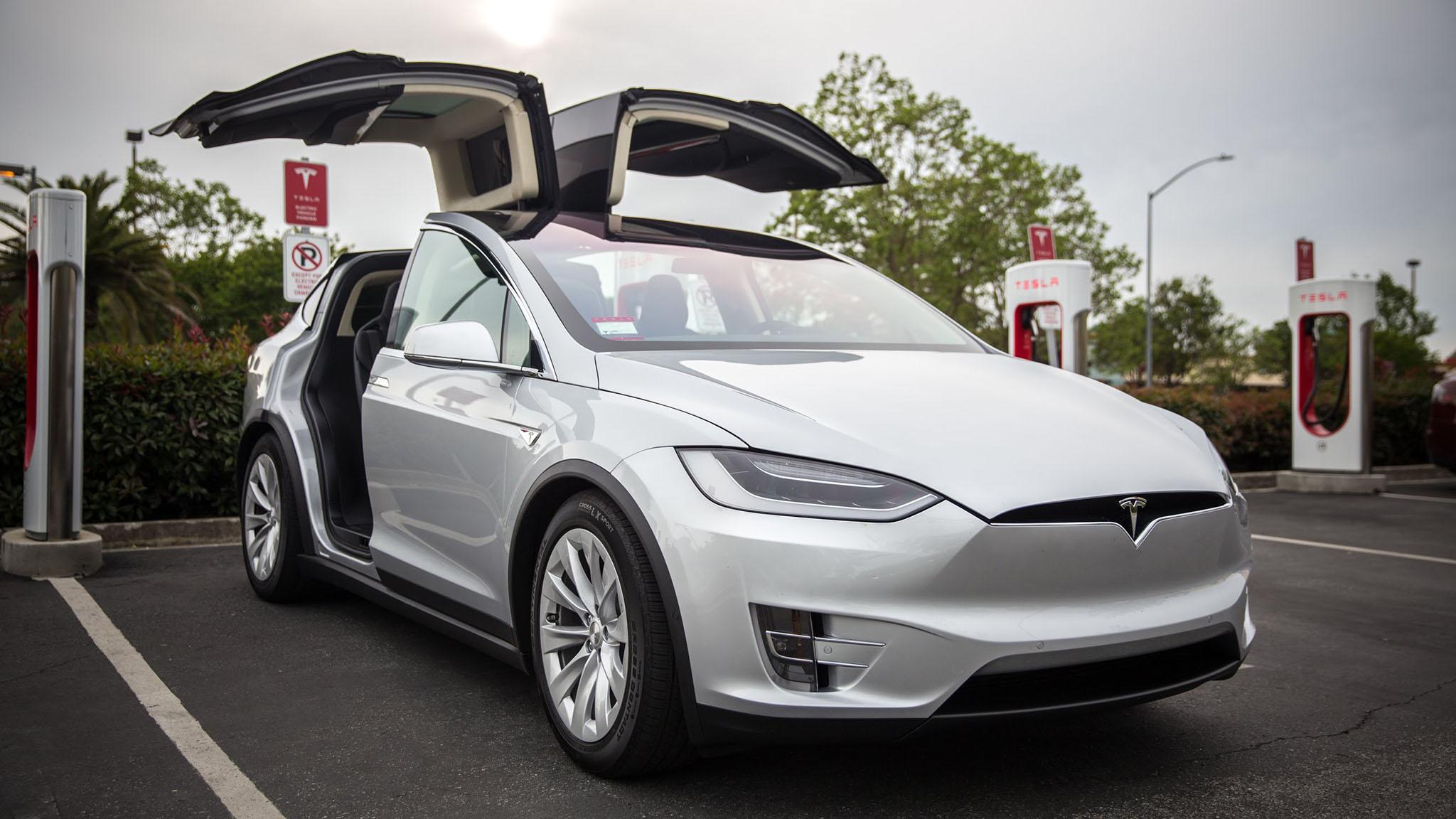 Tesla Model X 1.jpg