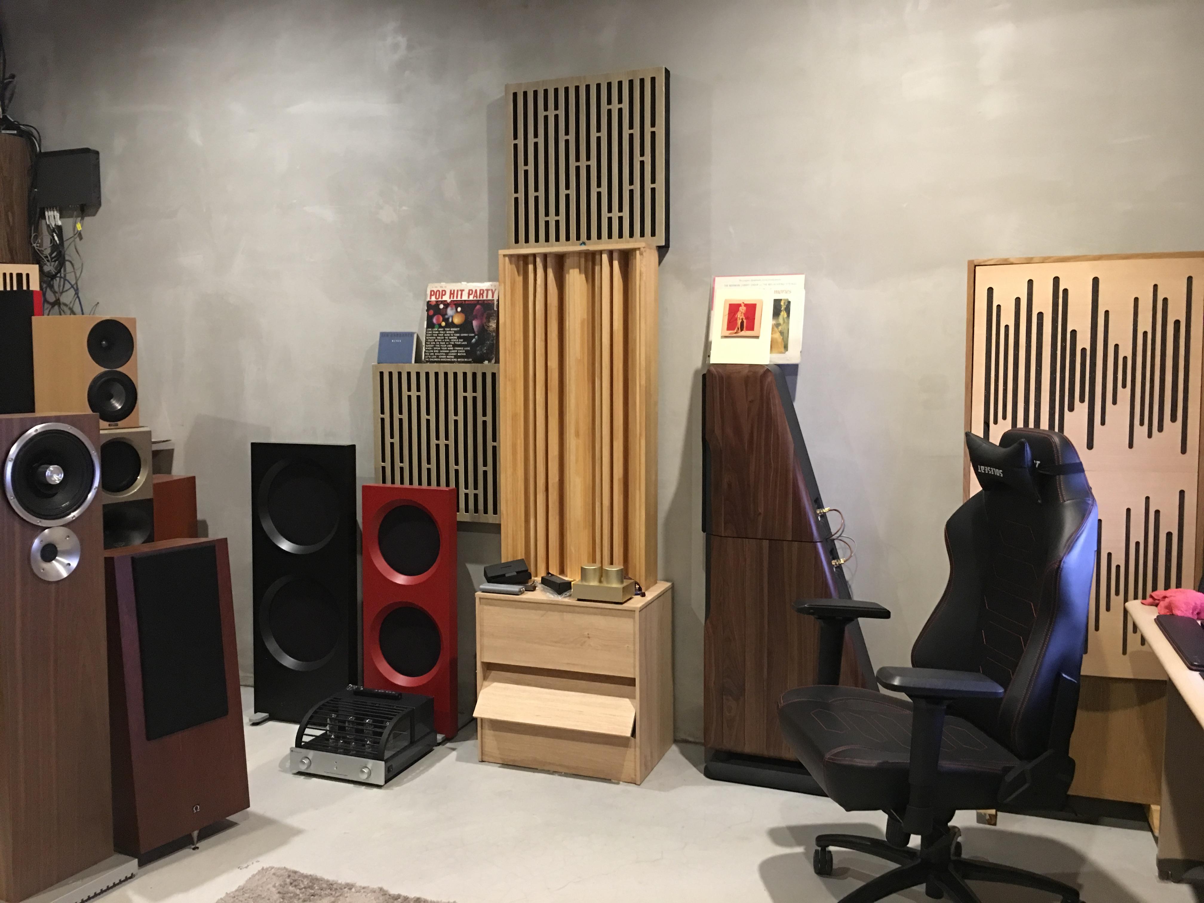 tinhte_zu_druid_v_speaker_room_set_up (2).JPG