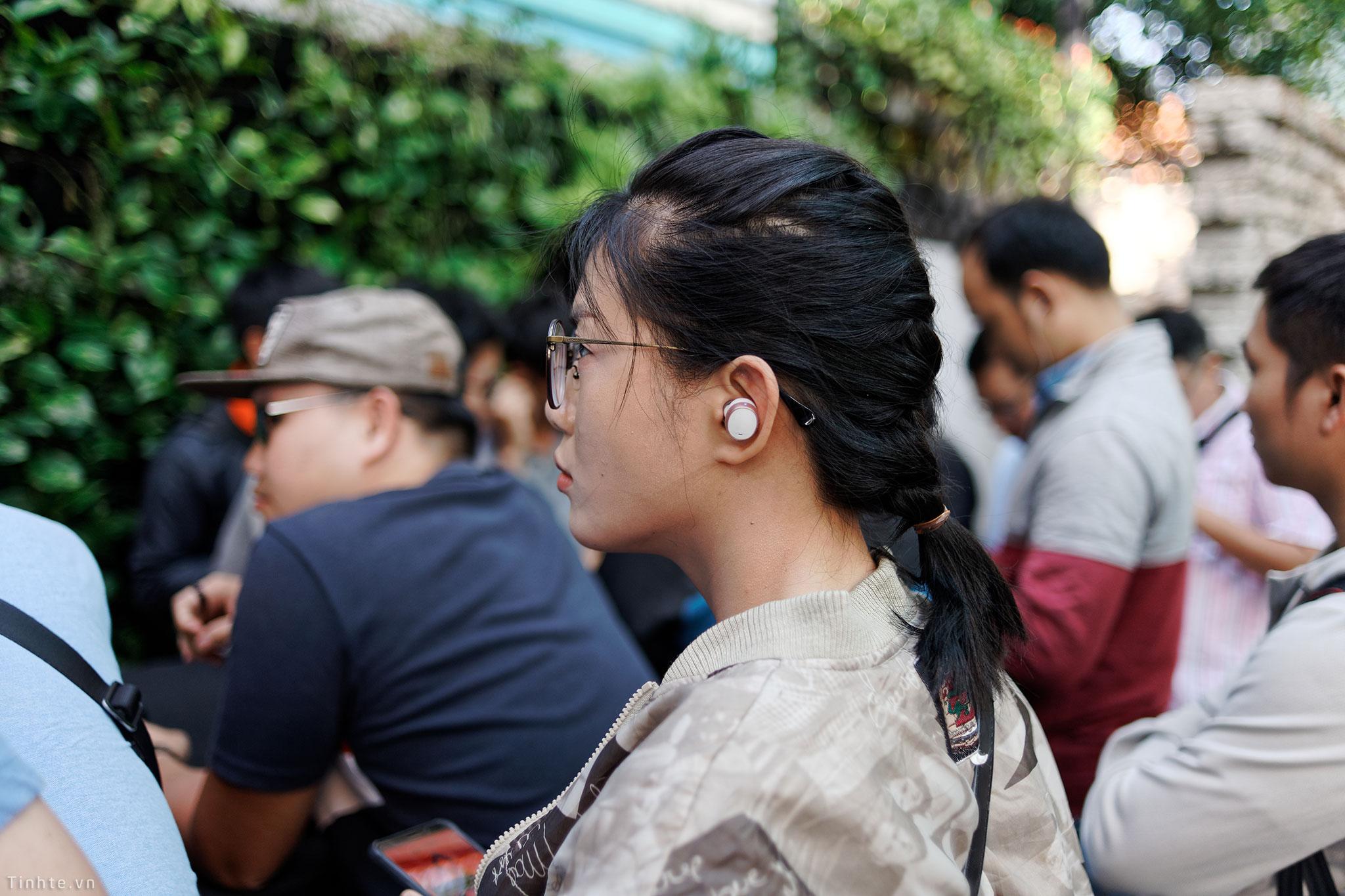tinhte_true_wireless_headphones_offline_2018_3.jpg