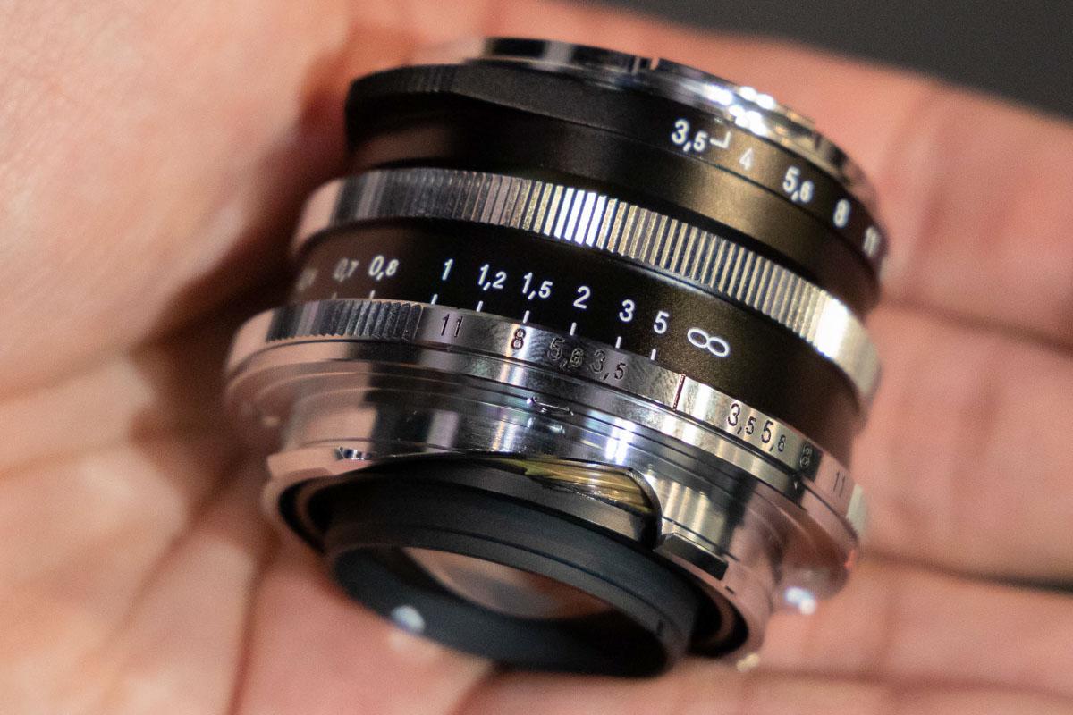 Voigtländer-Color-Skopar-21mm-f3.5-lens-for-Leica-M-mount2.jpg