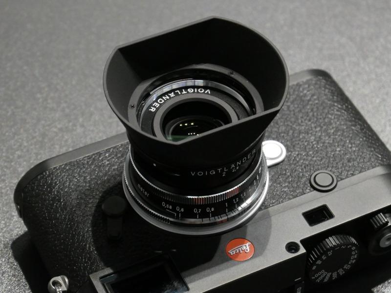 Voigtländer-Ultron-35mm-f2-Aspherical-VM-lens2.jpg