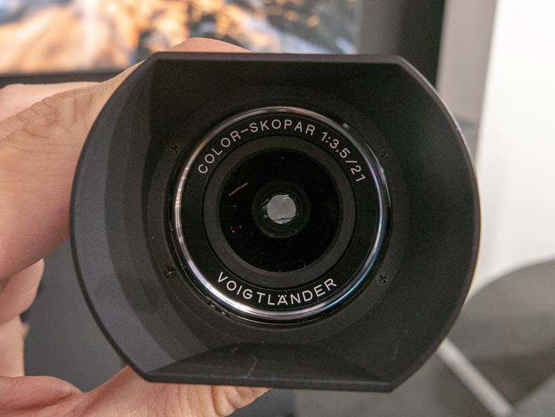 Voigtländer-Color-Skopar-21mm-f3.5-lens-for-Leica-M-mount1-1.jpg