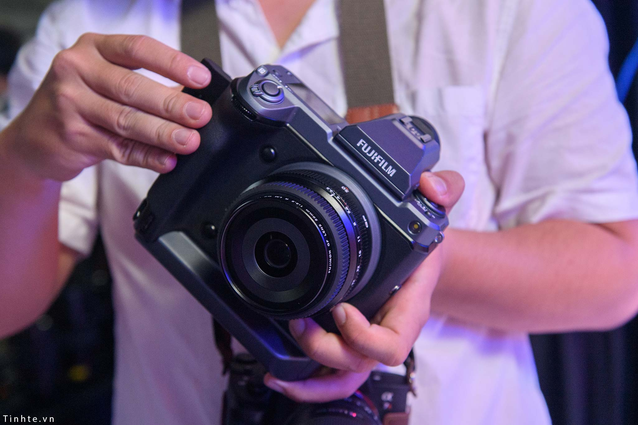 Fujifilm_GFX100_vietnam_tinhte_1.jpg