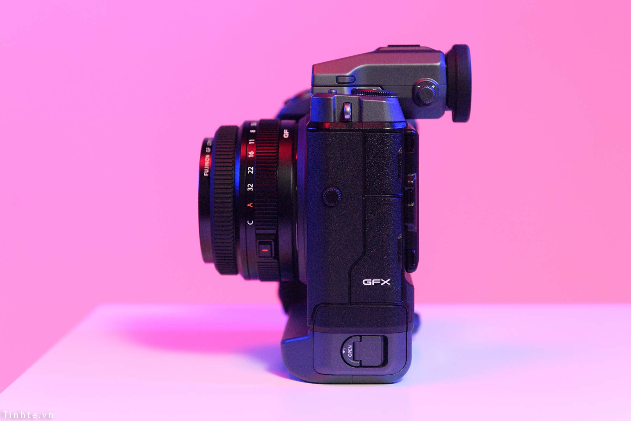Fujifilm_GFX100_vietnam_tinhte_3.jpg