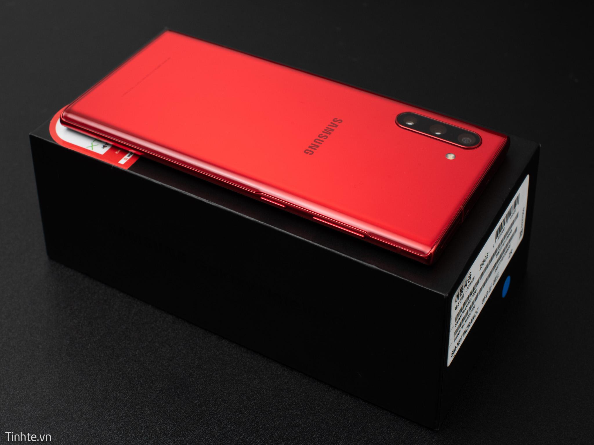 Galaxy-Note10-Aura-RED-10.jpg