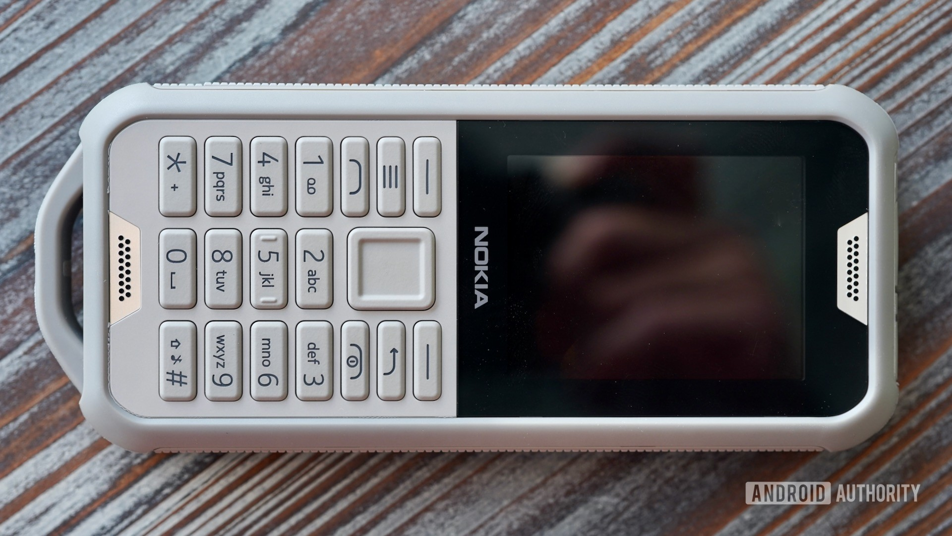 Nokia-800-Tough-camo-front.jpeg