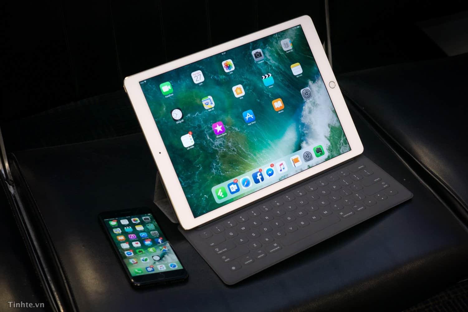 iPad-va-ban-phim-roi.jpg