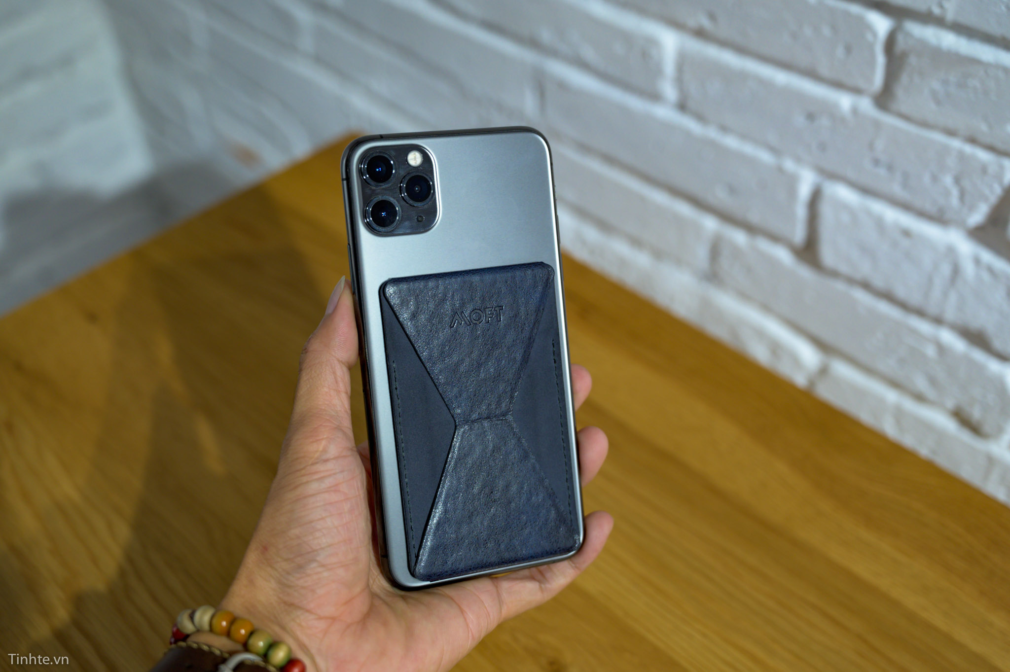 Trên-tay-đế-đỡ-điện-thoại-MOFT--7256.jpg