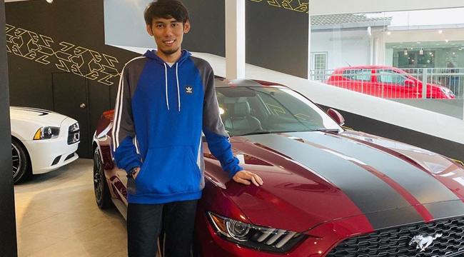 Vừa đạt huy chương Sea Games xong, tuyển thủ Mobile Legends tậu ngay một chiếc siêu xe