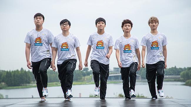 LMHT: Suning 3-1 TES, SofM cùng đồng đội CHÍNH THỨC ghi tên mình vào trận Chung Kết