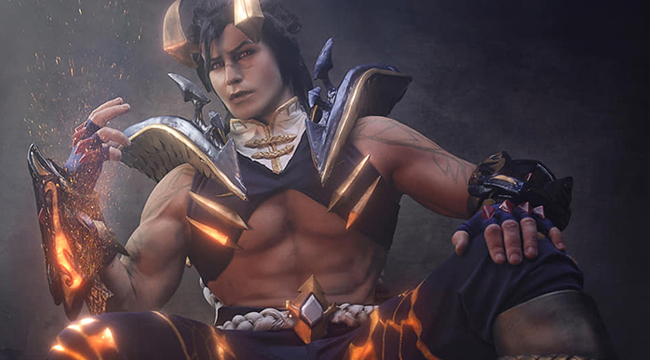 LMHT: Mãn nhãn với cosplay Sett Chiến Binh Rồng đầy uy lực