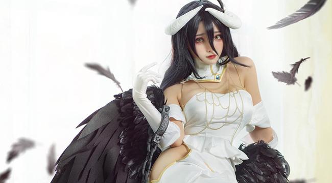 Ngẩn ngơ với sắc đẹp mê hồn của quỷ nữ Albedo trong cosplay Overlord